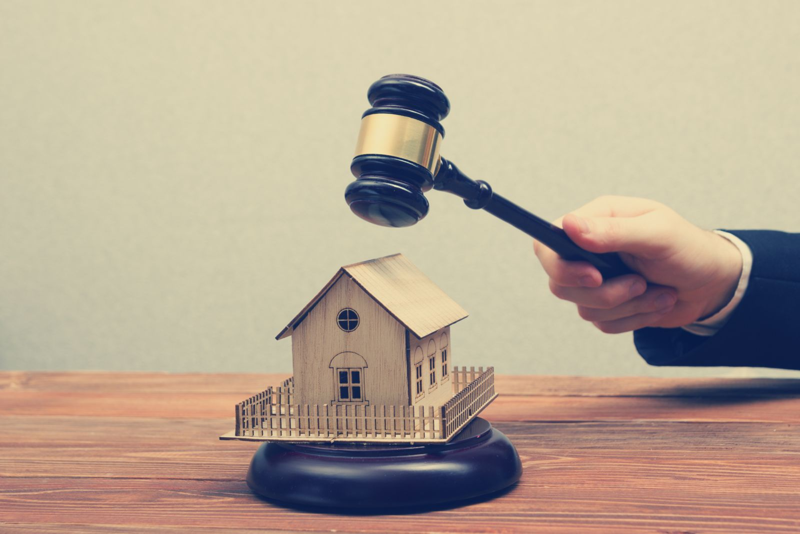 Meanwhile Leases: A Landlords Guide: Solicitors Say They Could Be Big Business for Small Businesses